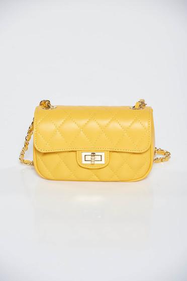 Sárga casual táska hosszú lánc típusú pánt valamint rövid