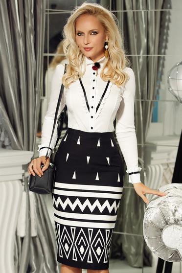 Fehér Fofy irodai pamutból készült női ing szűk szabás bross kiegészítővel