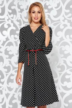 Fekete elegáns harang ruha finom tapintású anyag pöttyös v-dekoltázzsal