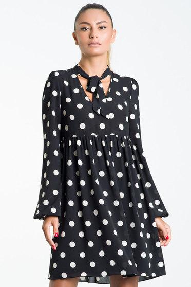Fekete ruha casual bő szabású fátyol belső béléssel v-dekoltázzsal 0e91462df8