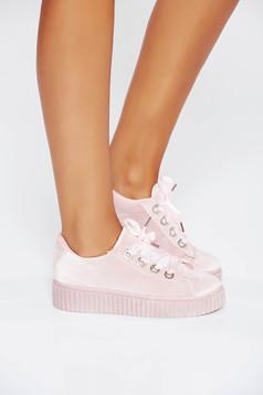 Rózsaszínű casual sport cipő fűzővel köthető meg lapos talpú műbőr