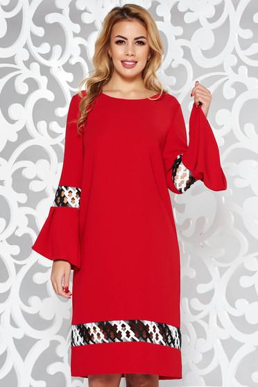 Piros StarShinerS elegáns bő szabású ruha enyhén elasztikus szövet hímzett betétekkel