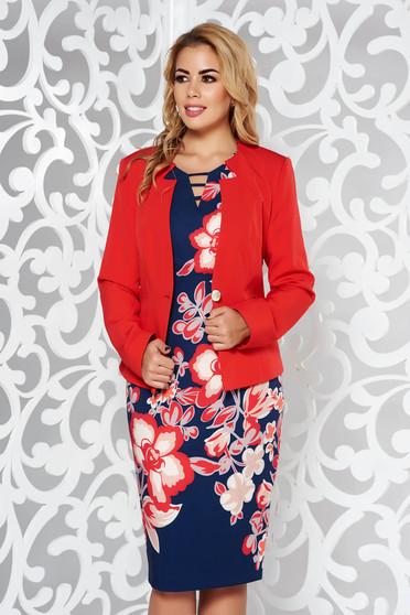Piros női kosztüm irodai nem rugalmas anyag belső béléssel virágmintás díszítéssel