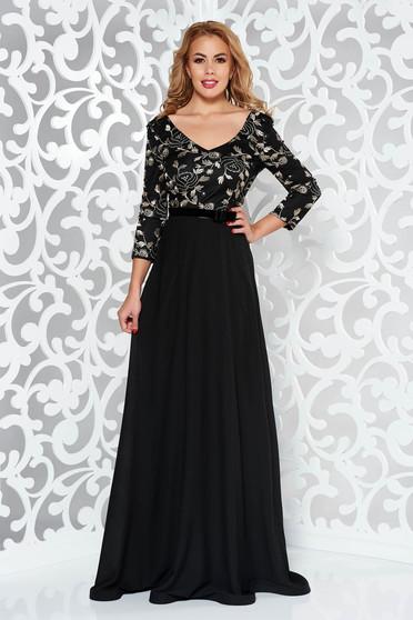 Fekete StarShinerS ruha alkalmi fátyol anyag belső béléssel tűl kiegészítővel hímzett