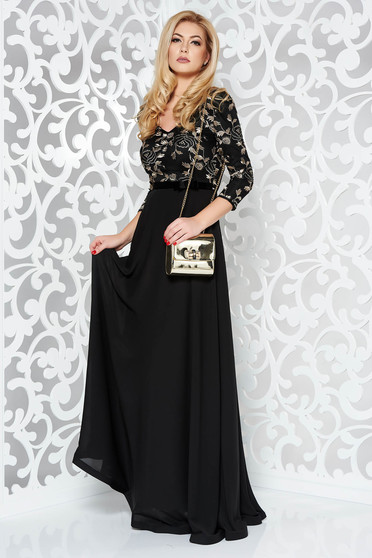 Fekete StarShinerS hímzett alkalmi ruha fátyol anyag belső béléssel tűl kiegészítővel