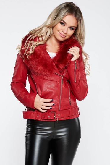 Piros casual rövid dzseki műbőr bundabélessel ellátva szőrme gallér
