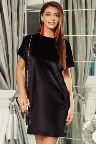 Fekete Fofy ruha elegáns bő szabású bársony kivágott hátrész
