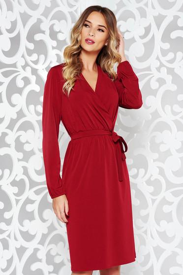 Piros StarShinerS ruha elegáns finom tapintású anyag derékban rugalmas övvel ellátva