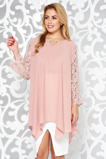Rózsaszínű női blúz elegáns bő szabású fátyol anyag csipke ujj asszimmetrikus szabással
