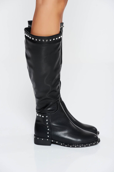 Fekete casual csizma szintetikus bőr fémes szegecsekkel