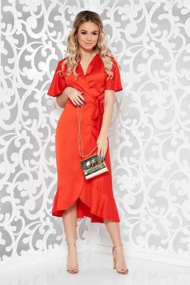 Piros ruha alkalmi átfedéses rugalmatlan anyag fodrok a ruha alján