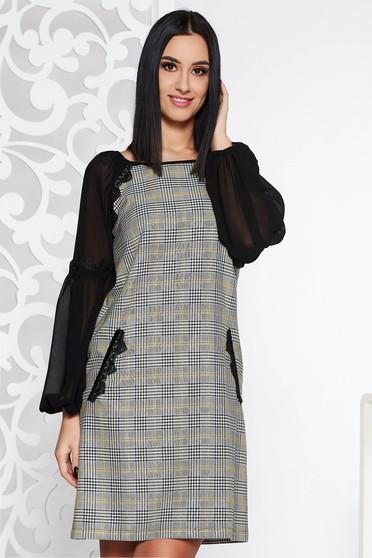Fekete LaDonna elegáns ruha rugalmatlan szövet belső béléssel egyenes  szabás csipke díszítéssel 0062fa53dc