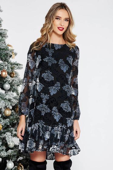 Sötétszürke alkalmi bő szabású ruha bársonyos anyag domborított minta fodrok a ruha alján