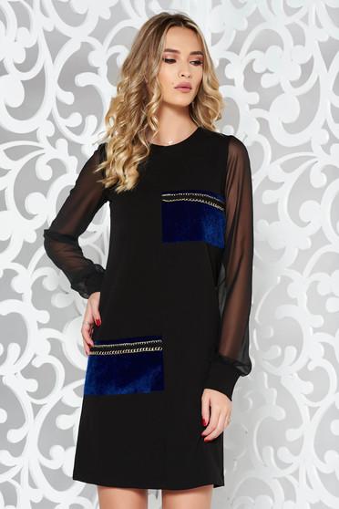Fekete StarShinerS a-vonalú party ruha rugalmatlan szövet műszőrme berakásokkal