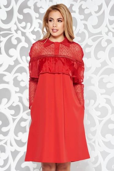 Piros elegáns bő szabású ruha átlátszó ujj csipkés anyag enyhén elasztikus szövet