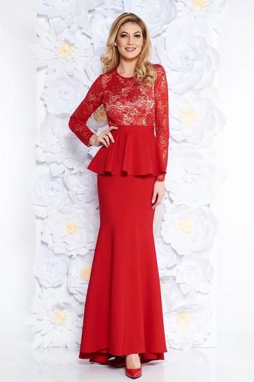 Piros alkalmi szirén tipusú ruha enyhén rugalmas szövet belső béléssel derekán fodros csipkés anyag