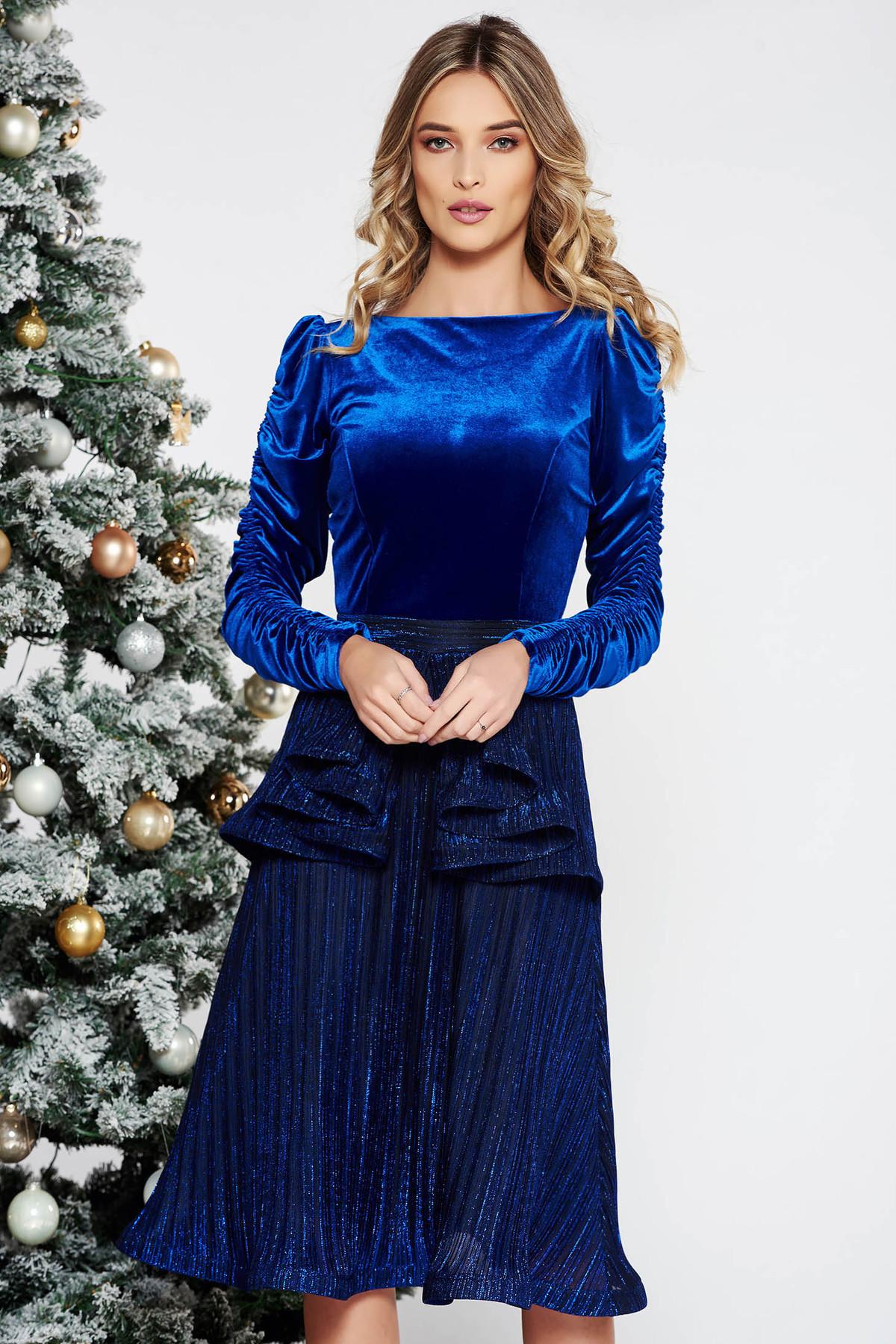 4eaee9c4c0 Kék StarShinerS alkalmi bársony ruha fényes anyag belső béléssel derekán  fodros