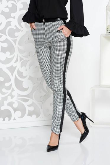 Szürke PrettyGirl irodai kónikus nadrág rugalmatlan szövet normál derekú szintetikus bőr díszítésekkel