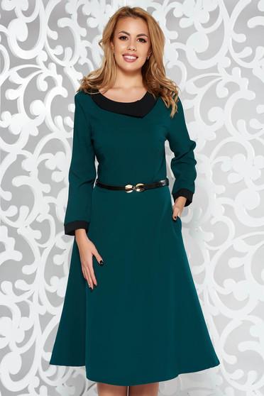 Sötétzöld ruha elegáns harang enyhén rugalmas szövet öv típusú kiegészítővel