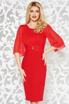 Piros alkalmi ruha szűk szabás gyöngyös díszítés