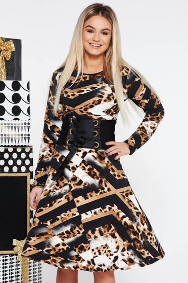 Fekete LaDonna hétköznapi ruha rugalmas anyag belső béléssel derékban zsinórral köthető meg