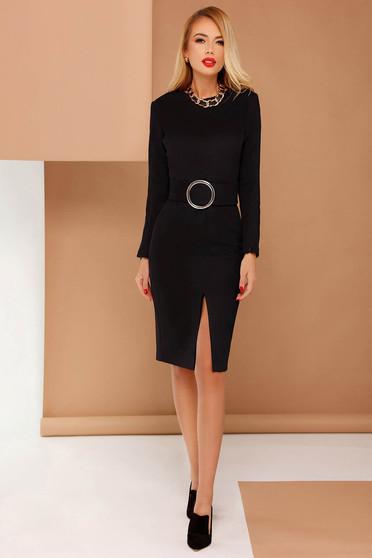 Fekete PrettyGirl elegáns ceruza ruha övvel ellátva bársonyos anyag