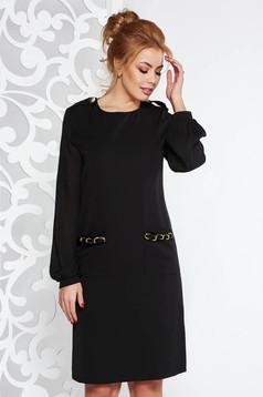 Fekete Fofy elegáns a-vonalú ruha fátyol újjakkal fém lánccal van ellátva