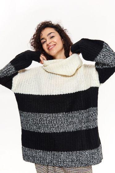 Fekete Top Secret casual bő szabású magas nyakú pulóver kötött anyag