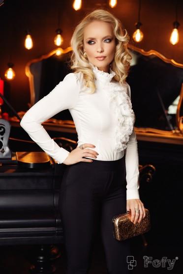Fehér Fofy irodai női ing szűk szabás enyhén elasztikus pamut csipke díszítéssel