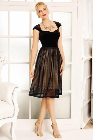 Fekete Fofy alkalmi harang ruha rövid ujjú dekoltált