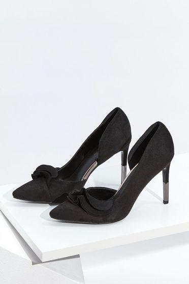 Fekete Top Secret elegáns cipő fodros bársonyos anyag enyhén hegyes orral