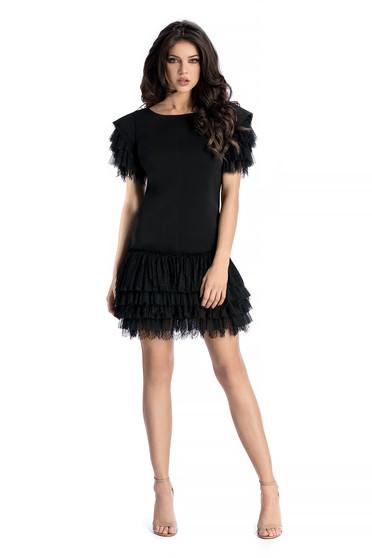 Fekete Ana Radu ruha szűk szabás enyhén elasztikus szövet csipke díszítéssel fodrokkal