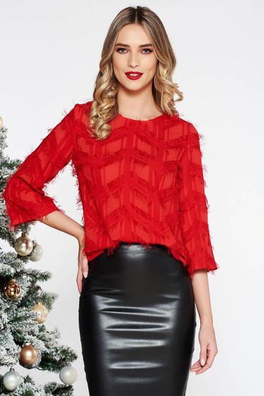 Piros elegáns bő szabású női blúz nem rugalmas anyag tollas díszítéssel