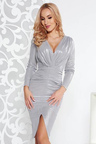 Ezüst alkalmi ruha enyhén rugalmas anyag fémes jelleggel belső béléssel v-dekoltázzsal
