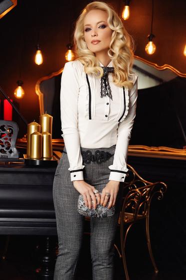 Fehér Fofy irodai pamutból készült női ing szűk szabással csipke díszítéssel