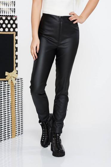 Fekete műbőr casual magas derekú nadrág szűk szabással