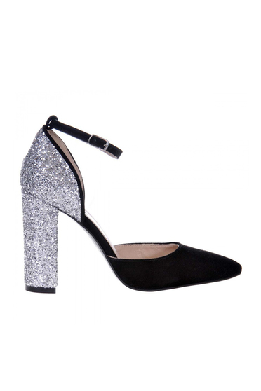 Ezüst bőr cipő csillogó díszítésekkel