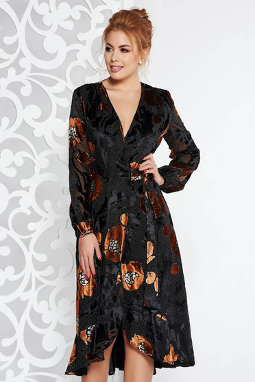 Barna elegáns átfedéses ruha bársonyos anyag belső béléssel fodrokkal a ruha alján