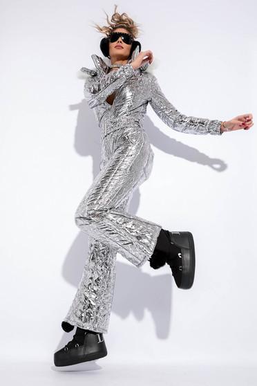 Ezüst overál fémes jelleg belső béléssel a kapucni nem távolítható el műszőrme díszítés