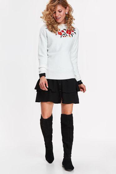 Fehér Top Secret pulóver casual bő szabású puha anyag hímzett betétekkel