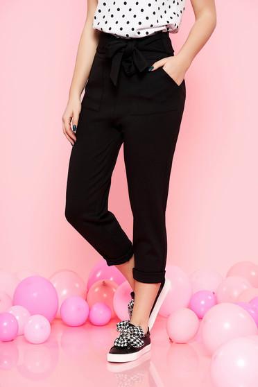 Fekete Top Secret casual magas derekú nadrág enyhén rugalmas anyag övvel ellátva zsebes