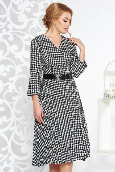 Fekete elegáns rakott harang ruha enyhén rugalmas anyag öv típusú kiegészítővel