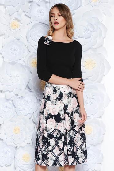 Fekete StarShinerS ruha elegáns midi harang scuba virágmintás díszítéssel bross kiegészítővel
