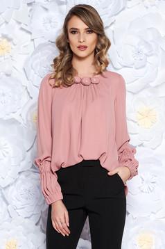 Rózsaszínű LaDonna irodai bő szabású női blúz fátyol virágos díszek belső béléssel