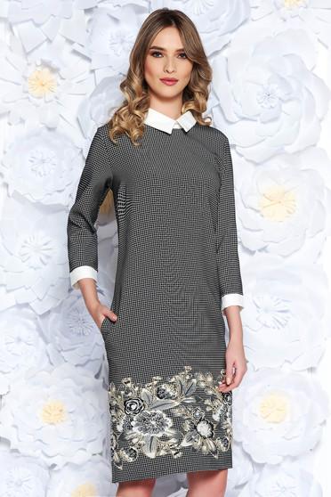 Fekete ruha irodai bő szabású enyhén rugalmas anyag. Termék kód  S-041890-1 1a42aa51d7