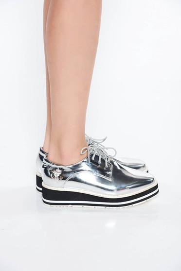 Ezüst casual cipő lakkozott öko bőr lapos talpú