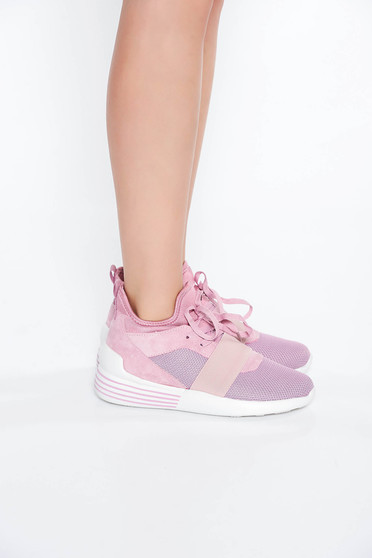 Pink sport cipő lapos talpú fűzővel köthető meg casual