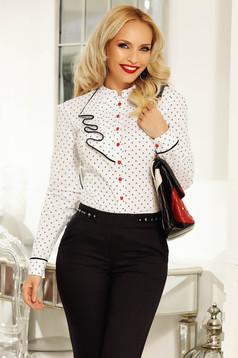 Gombokkal zárható fehér fodros Fofy női ing
