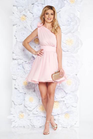 Világos rózsaszín Ana Radu fátyol ruha belső béléssel harang övvel ellátva