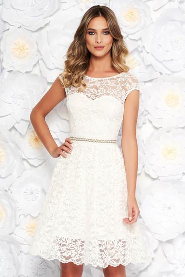 Fehér StarShinerS elegáns harang ruha csipkés anyag belső béléssel övvel  ellátva aa85803564